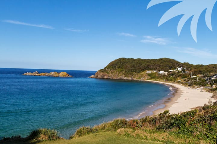 Sugarloaf - Pet Friendly accommodation - Seal Rocks - Ev
