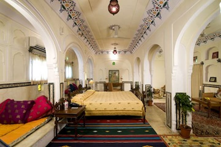 Samna Suite Heritage room in heart of the city - Jaipur - Casa