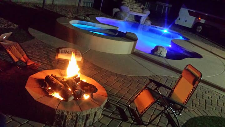 Huge master suite with garden tub, pool, fire pit!