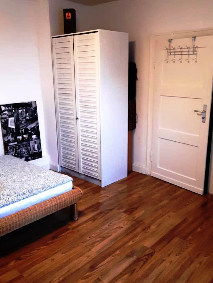 Freundliches, sehr helles Privatzimmer, Preis p.p