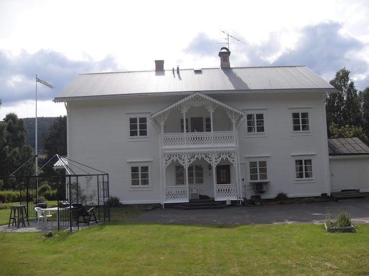 Mysigt boende mellan Långberget och  Branäs.