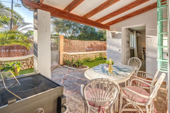 """Holiday Home """"Villa Cala Dor"""" 200 m from the Beach with Wi-FI, Balcony, Garden & Terraces; Parking Available, Pets Allowed"""