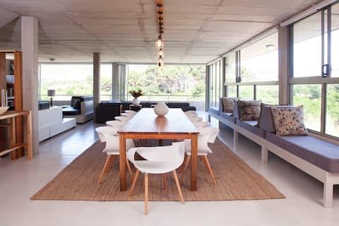 Vlei House at Red Box–Contemporary home near beach