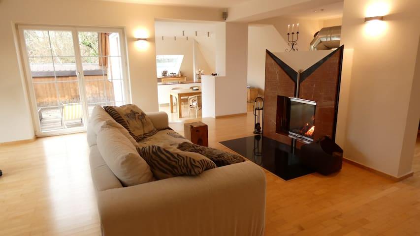130 qm große und lichtdurchflutete Wohnung