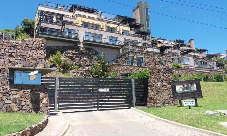 Excelente apartamento en Rambla de Piriapolis