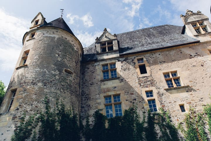 Château en Périgord vert