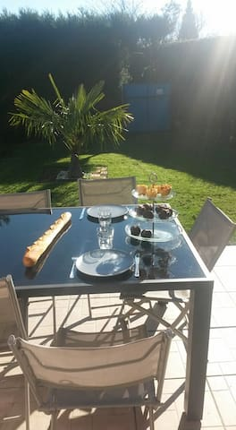 Maison proche du bourg (1 chambres) - Bourgtheroulde-Infreville - Guesthouse
