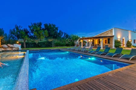 Villa with Spectacular Pool Area & Bar - Mal Pas-Bon Aire