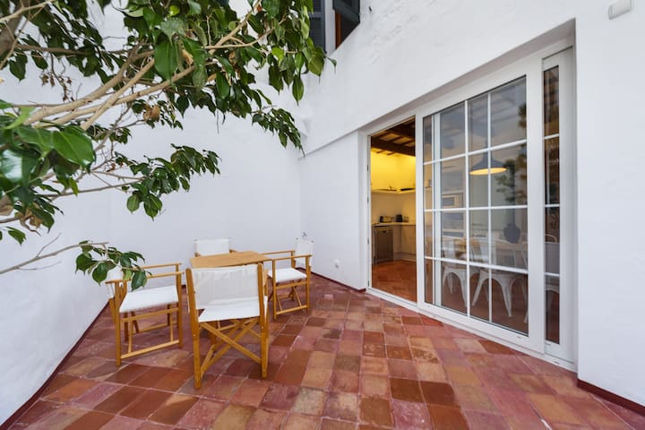 Family-friendly house in central location - Casa Sant Isidre