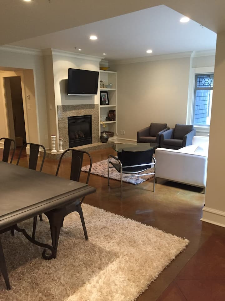 Spacious and Modern South Granville Terrace Home.