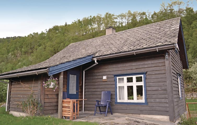Holiday cottage with 2 bedrooms on 60 m² in Mauranger