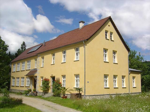 Ferienwohnung Altes Schulhaus in Leithen - Bernried