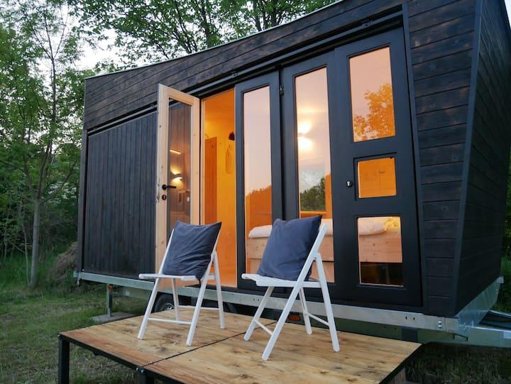Tiny House u řeky | 20 minut od Prahy