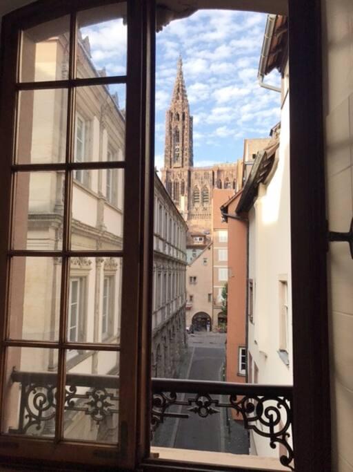 Vue sur la cathédrale depuis l'appartement