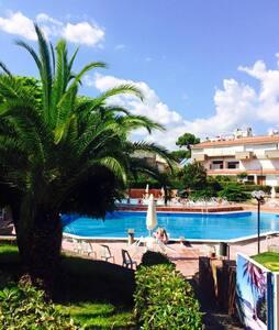 Villa in parco con piscine - Baia Domizia