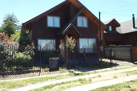 Casa en Villarrica 6 personas cercano a playa. - Villarrica - Ev