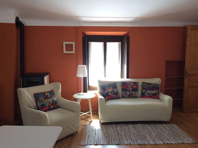Monolocale in villa con piscina - Casatenovo - Departamento