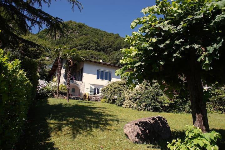 Haus am Luganersee Italien (Varese)