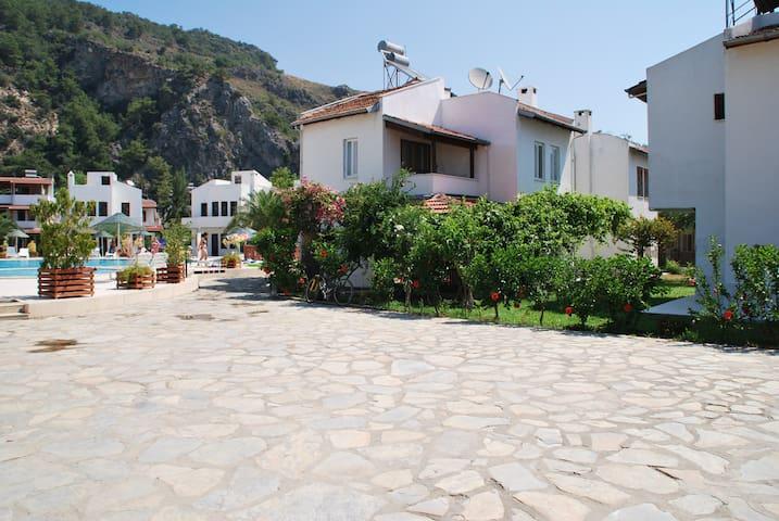 Pomegranate Villa Akdeniz Evleri Sarigerme
