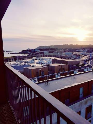 Top floor,balcony, marina views, 1 Doubleroom,Wifi
