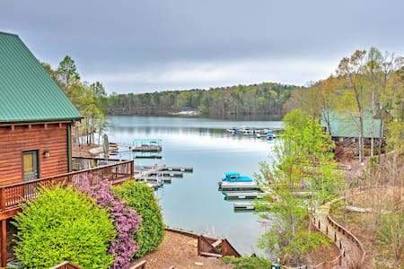 Lakeside 4BR Six Mile House w/Massive Decks - Six Mile - Huis
