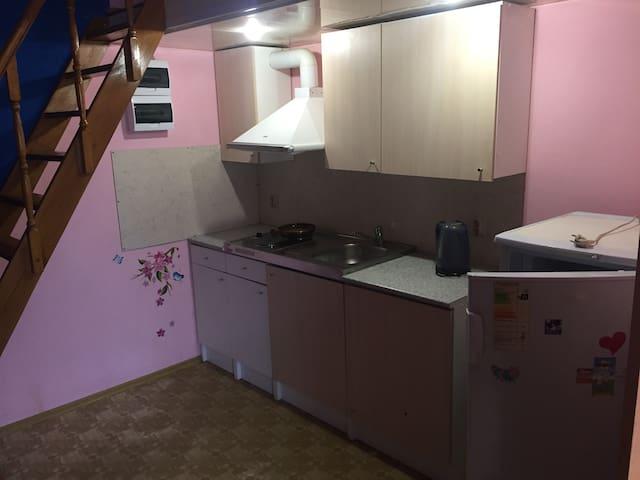 Семейный гостевой дом - Rostov - Hostel