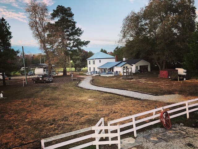 Kay's Acres horseback trail riding getaway