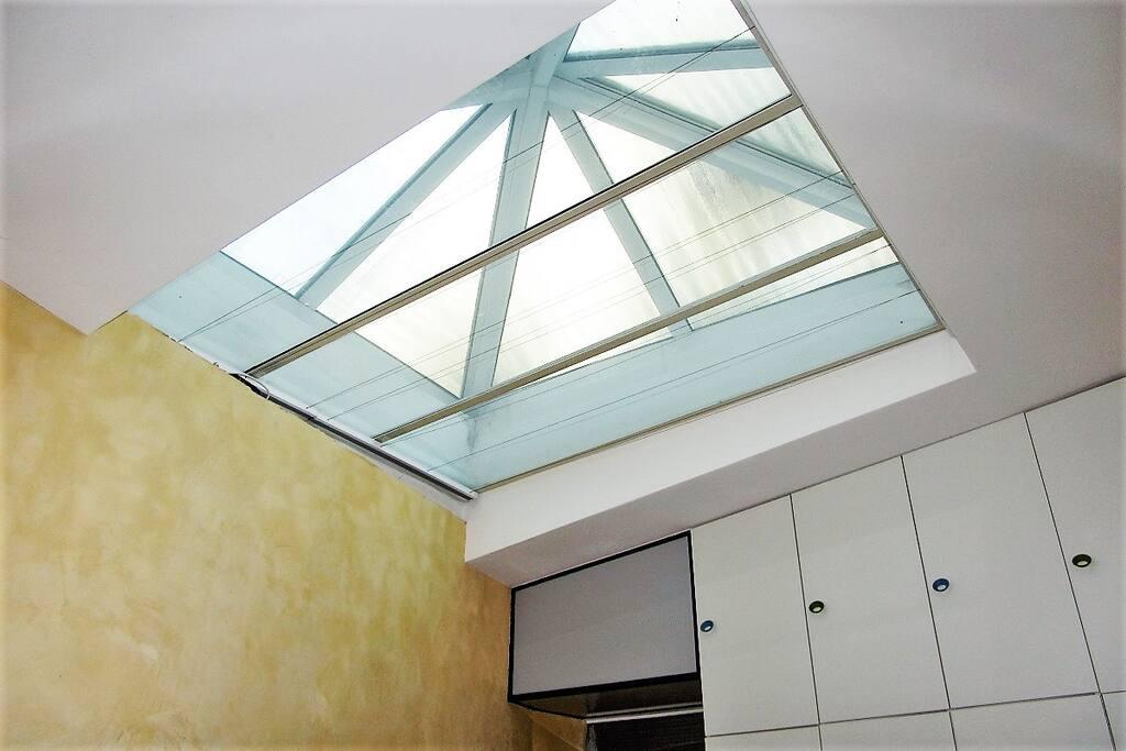 Lichtkuppel im zweiten Zimmer / Light roof in second room