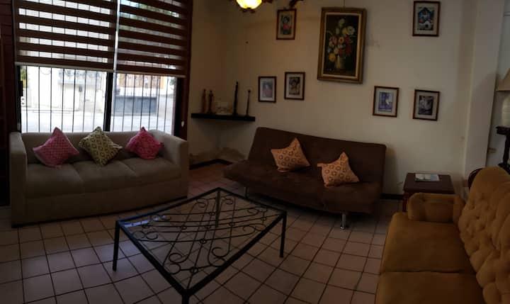 HOME OFFICE c/ 3 habitaciones + cuarto de servicio