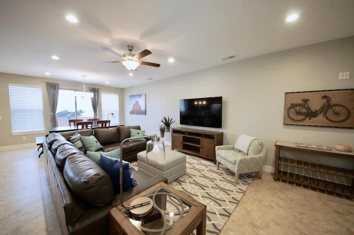 Entrada at Moab ~ 668,Brand New Luxury Condo In Downtown Moab Sleeps Up To 14, Has A Garage, & Private Patio - Entrada at Moab #668