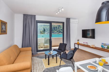 UMBLA I - Amazing Sea View Apt. 2+1,PrivateParking