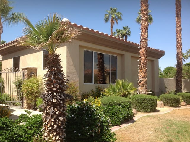 Private Casita perfect for STAGECOACH! - Palm Desert - House
