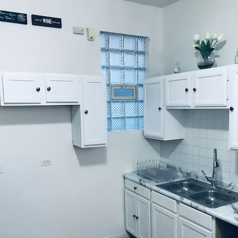 Newly Remodeled Apartment Spacious Open Layout