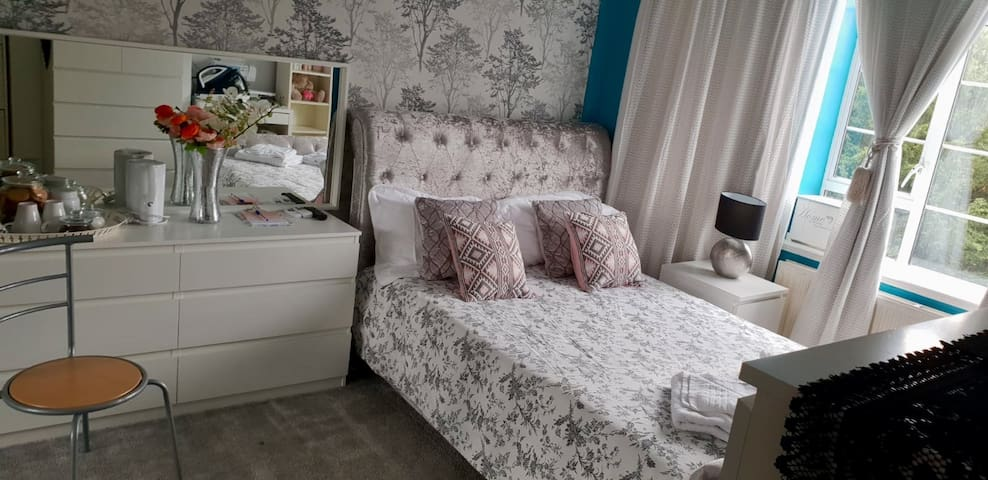Double Room Close To The City Centre
