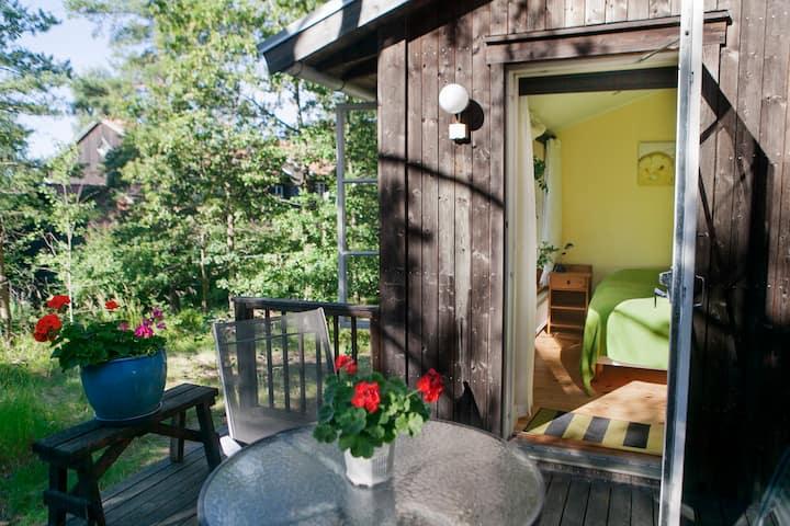 Eco-Village room B&B 12min to  city centre