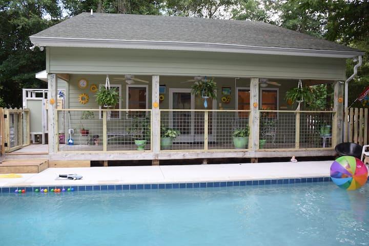 Carolina Cabana Poolside Kitty Hawk Studio