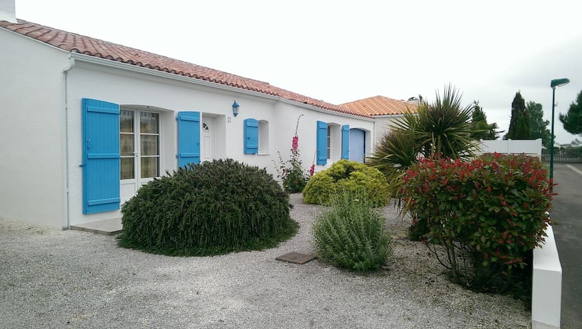 Lovely house near the sea (tennis, swimming pool) - Talmont-Saint-Hilaire - Rumah