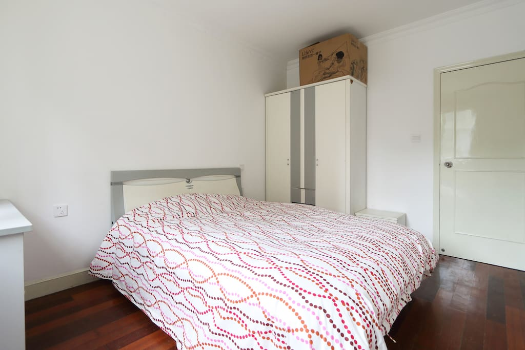 整洁干净的卧室