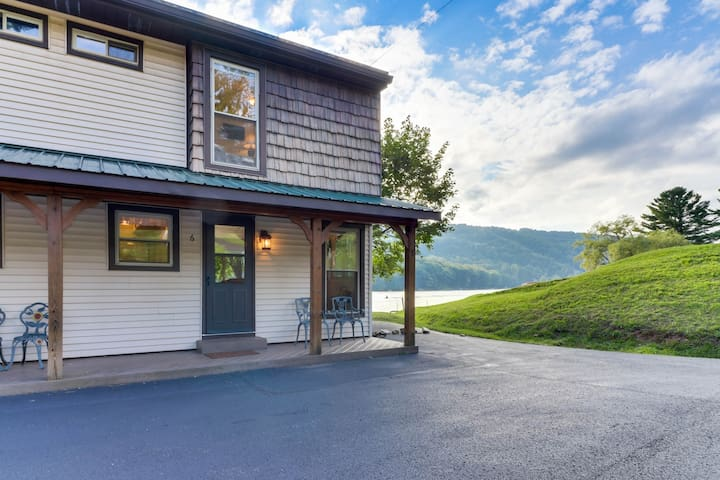 Waterfront townhouse w/ dock and slip plus well-appointed deck - close to skiing