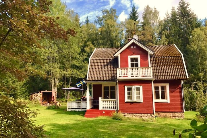 Cozy authentic cottage 'Blanken' in South Sweden