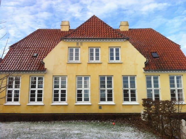 Lejlighed i Horreby gl. skole - Nykøbing Falster - Lakás