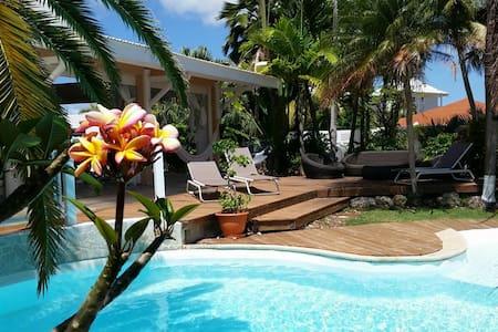 Villa + Piscine bord de mer proche plages et golf - Saint-Francois - Villa
