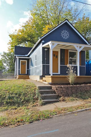 Scandinavian Cottage full of Charm - Kansas City - House