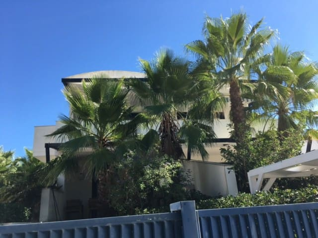 Puglia, Apulia,Pouille,apartment on sea, parking.