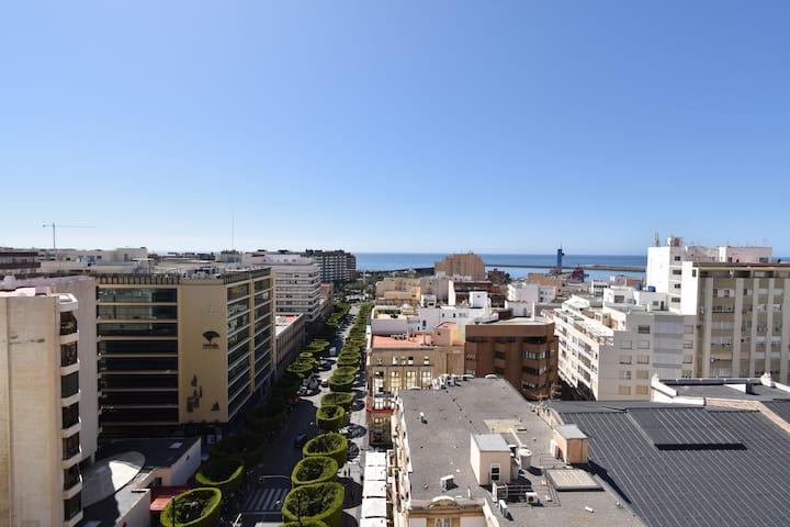 Ático con Terraza de ensueño en Paseo de Almería