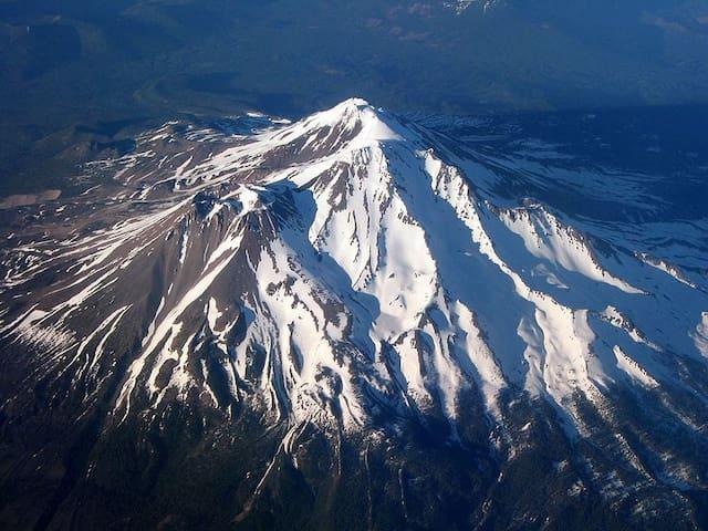 Places to Visit Around Shasta