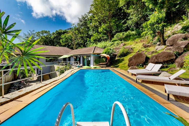 Villa patong vu mer 5 chambres piscine jaccuzzi