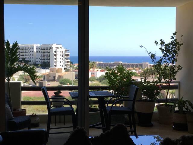 Beautiful Ocean view 2 bedroom 2 bath Condo