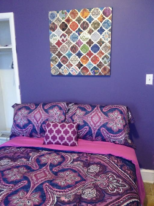 A comfortable full size bed to enjoy, beautiful beading.