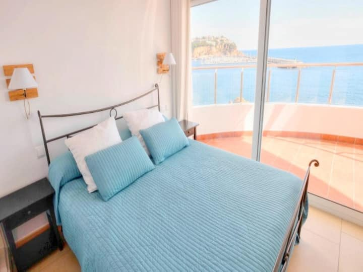 Club de Mar, Apt in front of the sea for 6 pax C16044